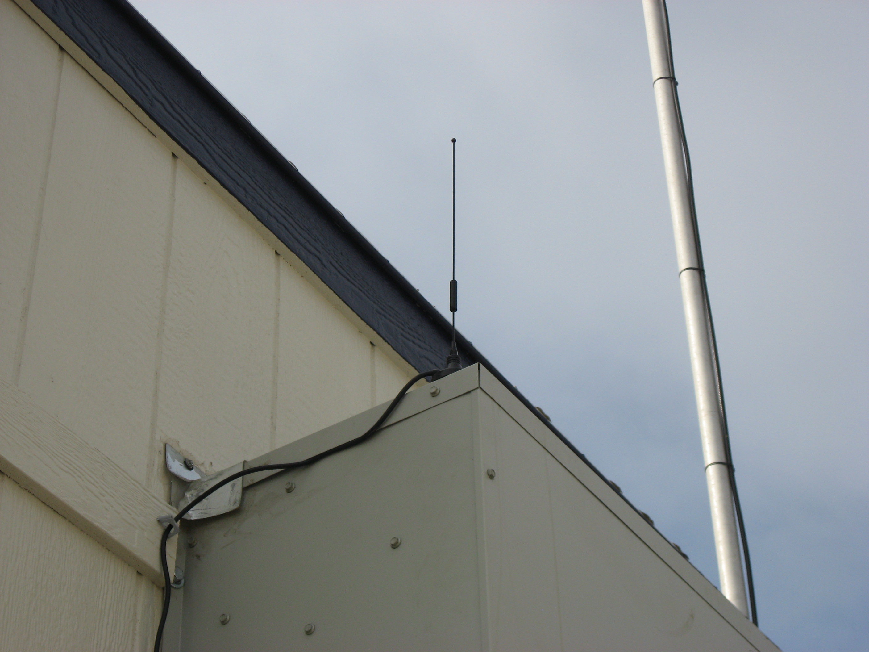 Shore station antenna